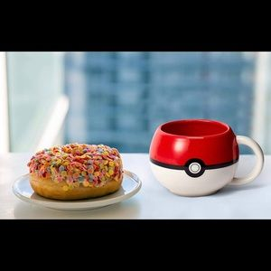 Pokémon Ball Mug -NWT